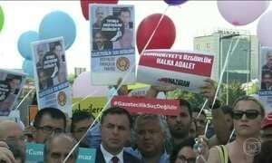 Começa o julgamento de jornalistas acusados pelo governo turco de ajudar terroristas