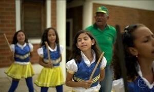 Criança Esperança: No sertão do Ceará, crianças e adolescentes ajudam a manter tradições