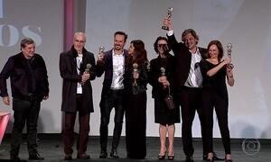 Filme 'Como nossos pais' é o grande vencedor do Festival de Gramado