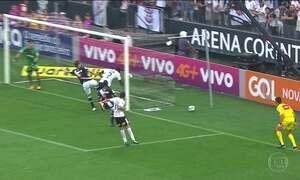 CBF anuncia adoção de árbitros de vídeo, depois de um gol irregular do Corinthians