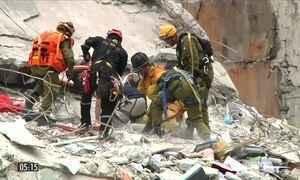México tenta abrigar milhares de pessoas que ficaram desalojadas após terremoto no país