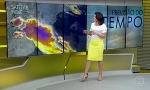 Frente fria e áreas de instabilidade provocam chuva forte em várias regiões gaúchas