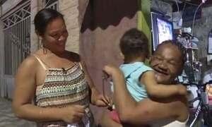 Mãe e filha se reencontram depois de mais de 10 anos sem se ver