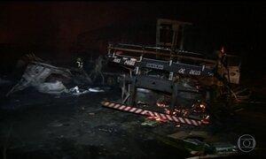 Em Goiânia, rodovia é totalmente liberada 20h após batida com 9 veículos