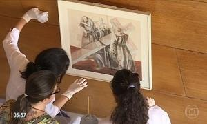 Obras de Cândido Portinari são retiradas de igreja para passar por restauração