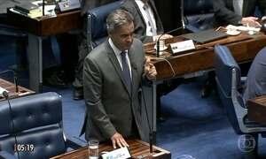 """""""Não retorno a essa casa com rancor ou com ódio"""", diz Aécio Neves em discurso no Senado"""
