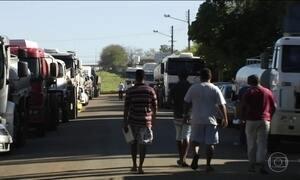Protesto bloqueia entrada em distribuidoras de combustível em Goiânia