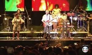 Gilberto Gil e Anitta se apresentam juntos em festival em Salvador