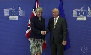 Theresa May vai a Bruxelas em tentativa de concluir acordo sobre saída da UE