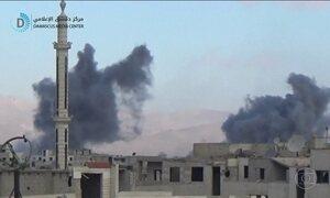 Forças do governo sírio atacam alvos em área perto de Damasco dominada por rebeldes