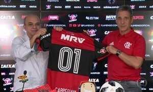 Flamengo apresenta novo treinador