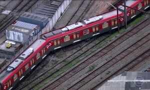Trem descarrila perto de estação na Zona Leste de São Paulo