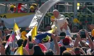 Papa é recebido com manifestações no Chile