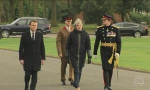 Emmanuel Macron faz primeira visita ao Reino Unido desde que assumiu a presidência