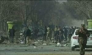 Ataque terrorista deixa mais de 100 mortos na capital do Afeganistão