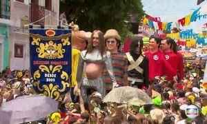 Frevo, maracatu e bonecos gigantes são as atrações do carnaval de Olinda