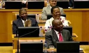 Novo presidente da África do Sul toma posse