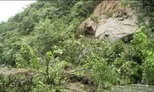 Chuva interdita estradas no Sudeste e no Norte
