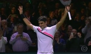 Roger Federer se torna o jogador mais velho a liderar o ranking de tenistas profissionais
