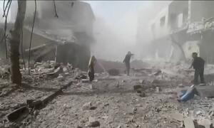Bombardeios do governo sírio em local controlado por rebeldes mata mais de 100