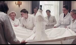 Mark Bridges leva Oscar de Melhor Figurino por 'Trama Fantasma'