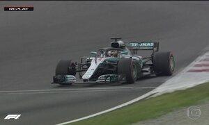 Lewis Hamilton vai largar na frente no GP da Espanha