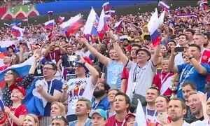 Fan Fest em Moscou lota após classificação da Rússia