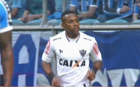 Grêmio sai na frente, mas Robinho marca no fim e garante o empate para o Galo