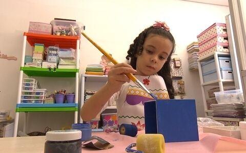 Projeto ensina artesanato para crianças