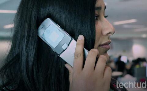 Motorola V3: relembre o celular de sucesso dos anos 2000