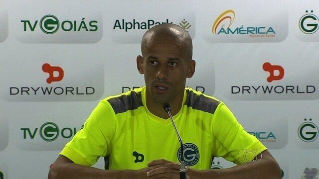 Wendel ganha confiança de Enderson  para ser o capitão do Goiás em 2016