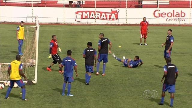 Vila Nova trabalha em busca da  primeira vitória na temporada