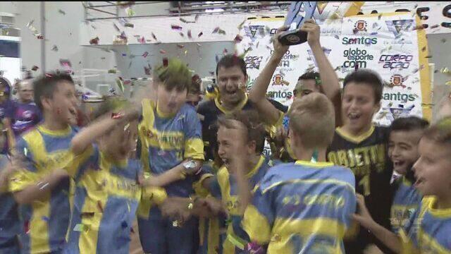 Confira a festa dos vencedores da Copa TV Tribuna de Futsal Escolar