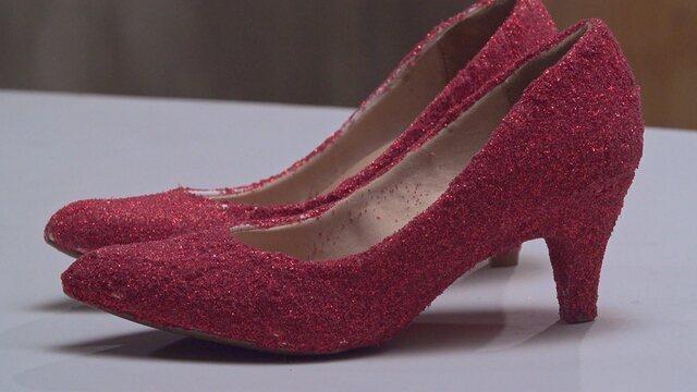 fd6051d16 Aprenda a fazer os sapatos vermelhos da Dorothy no Magico do Oz - Fazendo a  Festa - GNT