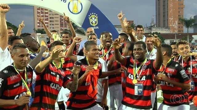 Atlético-GO vence o Bahia de virada no jogo da taça