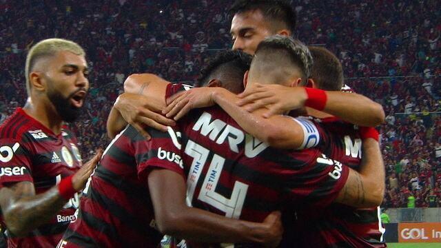 Gol do Flamengo! Rafinha cruza, Arrascaeta ajeita e Bruno Henrique completa para ampliar aos 29 do 2º tempo.