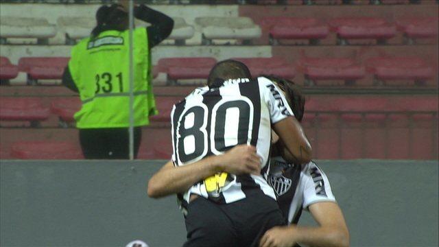 Gol do Atlético-MG! Otero aproveita rebote e empata a partida, aos 8' do 2º tempo