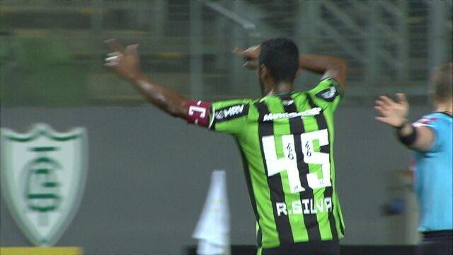 Gol do América-MG! Ricardo Silva abre o placar de cabeça, aos 19' do 1º tempo