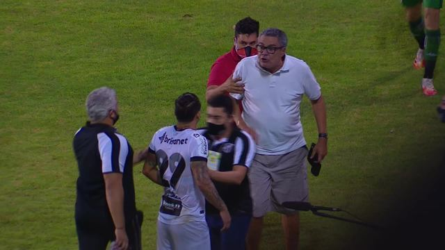 """Presidente do Vitória xinga Vina, do Ceará: """"Seu vagabundo"""""""