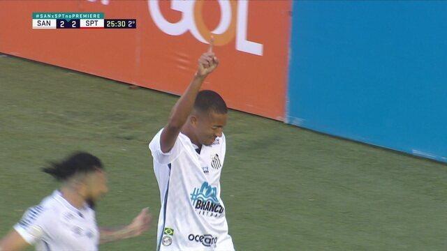 Gol do Santos! Marinho cruza certeiro para Bruninho, que manda para o fundo das redes, aos 25' do 1° tempo