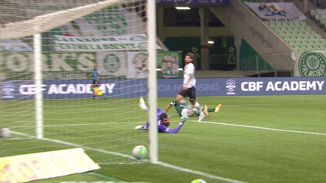 Gol do Palmeiras! Breno Lopes recebe de Scarpa e bate cruzado para marcar, aos 30' do 1T