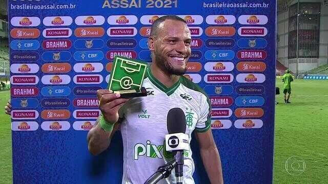 Eleito Craque do Jogo, Patric comemora gol marcado pelo América-MG e dedica prêmio ao filho