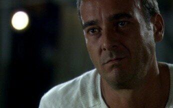 Raul conta a verdade para Gopal - Ele revela a Gopal que não pode procurar a polícia porque Raul Cadore morreu