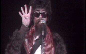 Raul Seixas canta Abre-te Sésamo - Assista ao clipe da música Abre-te Sésamo, que faz parte do álbum lançado em 1980 por Raul Seixas. A música foi composta pelo próprio cantor e por Cláudio Roberto.
