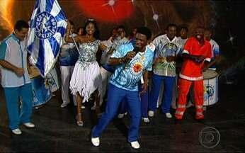 """Desafio de Carnaval: Neguinho da Beija-Flor dança o rebolation - O ritmo veio da Bahia e se transformou no """"mulheration"""" do Rio de Janeiro. O cantor e compositor Neguinho da Beija-Flor se animou com o novo ritmo e mostrou que também preparou um para o carnaval."""