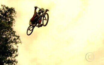 Bicicletas voadoras agitam o interior paulista - Na pacata Paulínia, maior polo petroquímico da América Latina e que também atrai produções do cinema nacional, será sede do Desafio Internacional de Bicicross. O esporte é outra atração da cidade.