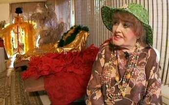 Vedete que encantou multidões vai completar 90 anos - A atriz Virginea Lane não pensa em abandonar os palcos. Ela conta que está disposta e pronta para se apresentar em shows pelo país. Para ela, ser vedete era ser uma mulher muito audaciosa.