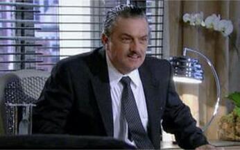 Passione - Capítulo de Sábado, 17/07, na íntegra - Saulo é eleito o novo presidente da Metalúrgica depois de se aliar a Fred e Melina. Gerson avisa a Diana que não concorda em se divorciar dela