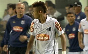 Neymar briga com técnico do Santos e causa polêmica - Desde que se tornou a principal estrela do Santos, Neymar anda perdendo o controle. No jogo contra o Atlético-GO, ele xingou o técnico Dorival Jr e o capitão Edu Dracena por não ter batido um pênalti.