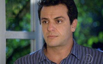 Passione - capítulo de terça feira, dia 23/11/2010, na íntegra - Diana e Mauro se surpreendem ao se encontrarem no sítio de Laura. Myrna acusa Fred de ter roubado o dinheiro da metalúrgica.